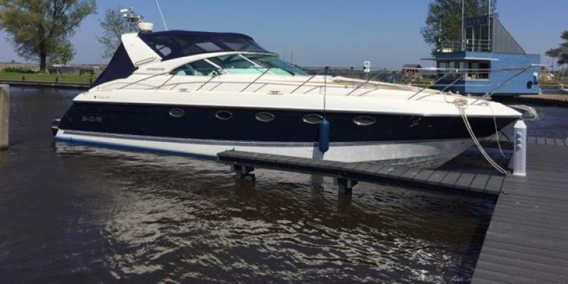 Fairline 42 like new from 2001   € 189000
