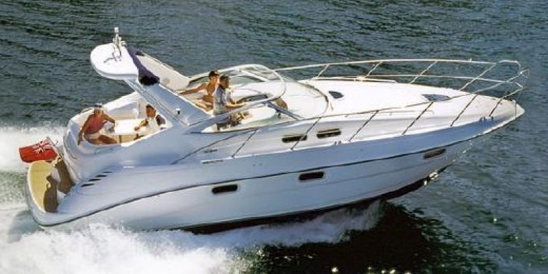 Sealine S 34                             2001 launched 2002      € 69.500
